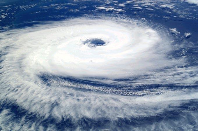 cyclone-62957_960_720-2